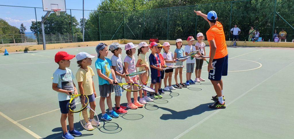 Тенисът - забавление за малки и големи